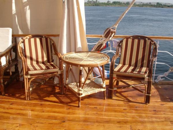 salon sur le sun-deck du SOBEK
